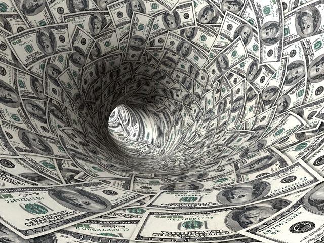 money-waste-smoking-640 x 480.jpg